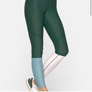 Outdoor Voices green dipped leggings